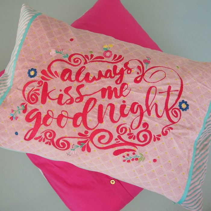 "Kissen ""always kiss me goodnight"" 4"